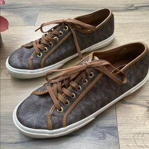 Michael Kors MK Logo Low Top Lace Up Sneakers 8
